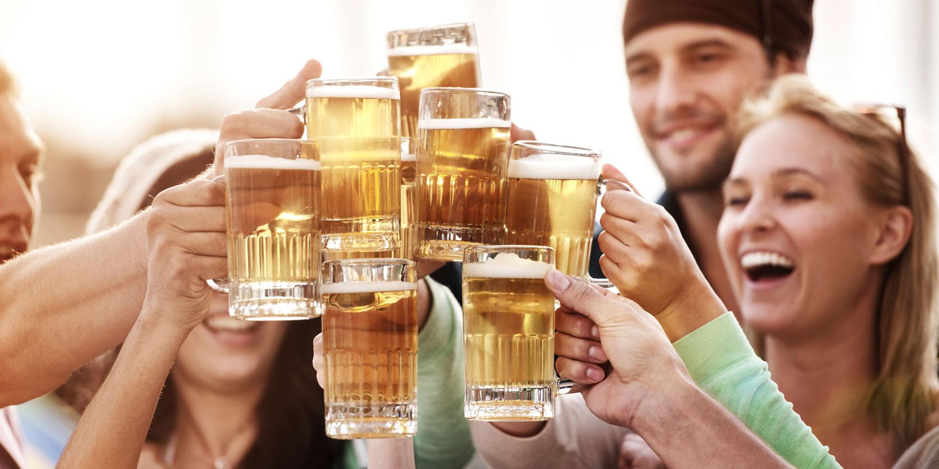 people-drinking-beer