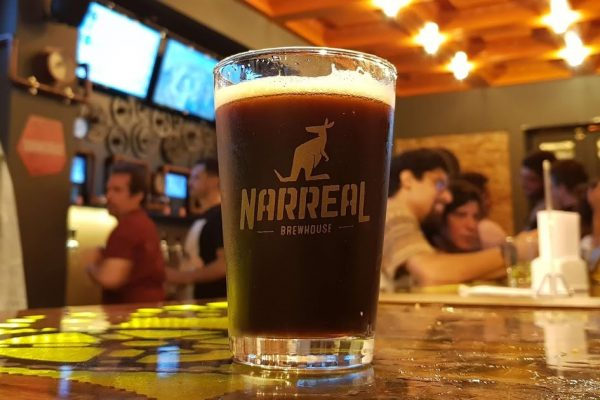 Cerveja-no-Narreal-Brewhouse.jpg