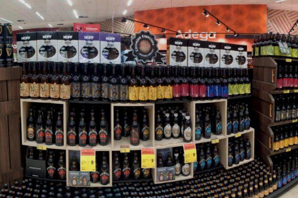 a-hora-das-cervejas-locais-cervejaria-OL-Beer-amplia-espaco-nos-supermercados-de-Curitiba_300dpi-1024x622.jpg